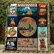 Never Underestimate The Power Of A Camp - Fleece, Quilt blanket in Usa