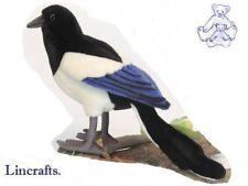 Pájaro de juguete suave felpa Urraca de Hansa. se vende por lincrafts. 5033