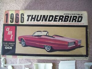 AMT 1:25 Ford Thunderbird 1966 Convertible & Custom Parts Vintage Kit 6216-150