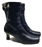 Kenneth Cole Reaction Womens Kissing Leather Black Boots Size 8.5 M  Zip Up