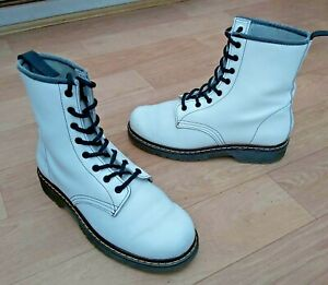 WHITE SOFT REAL LEATHER LACE UP COMBAT  STYLE BOOTS UK5 EU38 FREE UK P&P!!