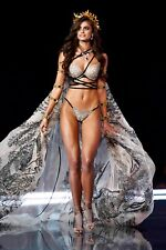 """Taylor Hill in a 11"""" x 17"""" Glossy Photo Poster 3_281"""