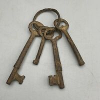 Vintage Antique Old Rusty Key Ring with 4 Skeleton Key (Man-Cave, Film Prop)