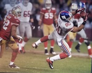 Victor Cruz 16x20 photo  making a catch for the New York Giants