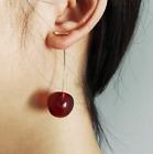 Petites boucles d'oreilles résine cerises bordeaux rétro pinup glamour originale