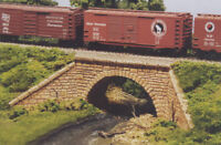 MONROE MODEL 2001 HO Scale Stone Arch Bridge Model Railroad Gypsum Kit FREE SHIP