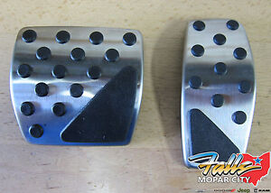 Jeep Renegade Automatic Transmission Stainless Steel Gas & Brake Pedal Kit OEM