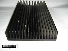 Dissipatore in alluminio per elettronica con 2 fori filettati dim. 135x255x33mm