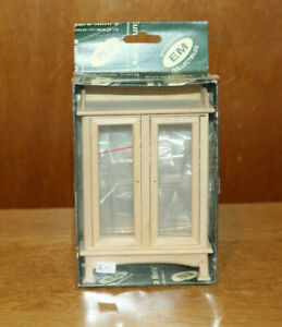 Dollshouse Miniature 'Glass' front/back and shelved display cabinet