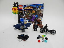 LEGO DC Universe Batman Catwoman Minifigure Catcycle City Chase Set (6858)