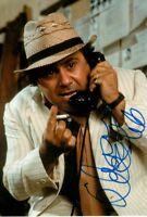 DANNY DeVITO signed Autogramm 20x30cm ROMANCING THE STONE in Person autograph