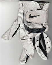 Tiger Woods 2018 Farmers Insurance Open final round worn used Nike TW golf glove
