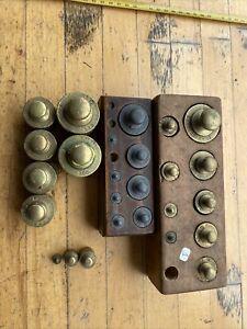 (n° 1 ) Outils série lot De 25  Poids Laiton anciens  balance Roberval.
