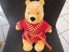 85/ doudou peluche Winnie l'ourson en peignoir rouge DISNEY 28cm