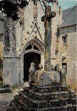BR31175 Saint Tugen en primelin le calvaire et le porche de la chapelle france