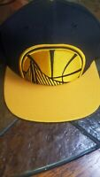 Golden State Warriors Mitchell Ness NBA Snapback adjustable hat cap black/yellow