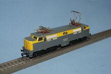 Marklin 3055 NS Electric Locomotive Br 1200 Yellow-Grey vers. 4   DELTA
