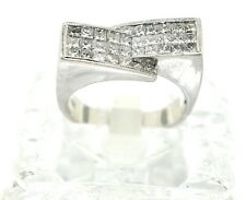 18k White Gold And Princess Cut Diamond Ring. Size 7