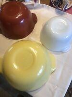 Set of 3 Fire King Ware Nesting Mixing Bowls  Yellow Pumpkin & White