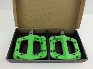 "Race Face Chester Composite Platform Pedals: 9/16"" Pair Flat Pedal MTB-GREEN"
