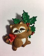 Hallmark Brooch Pin Christmas Raccoon With Holly Berry Vintage Jewelry JM-24