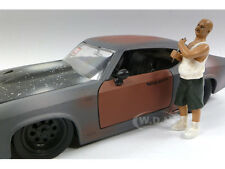 AUTO THIEF FIGURE 1:24 SCALE DIECAST MODEL CARS BY AMERICAN DIORAMA 23816