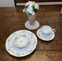 8 Complete Place Settings-johann haviland bavaria germany blue garland set