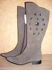 Edle flache Hochschaft Stiefel spitz NEU Gr. 42 grau mit Nieten in Nubuk Leder