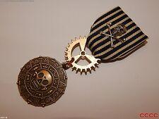 Steampunk badge brooch pin drape Medal pirates of the Caribbean skull crossbones