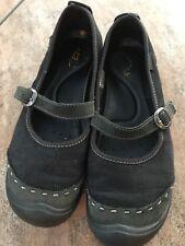 Keen Ladies Black canvas/leather Mary Janes size 8 US, 38.5 EU, 5.5 UK