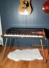 Rhodes Electronic Piano 3363 VTG Electric Suitcase Piano Legs Black/Woodgrain