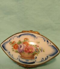 ANTIQUE SEVRES PORCELAIN BRONZE MOUNT TRINKET PATCH SNUFF BOX