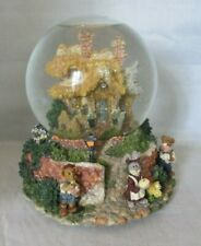Boyds Town Bailey's Cottage Water Musical Globe in Box