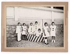 PHOTO Enfant déguisé Cérémonie 1930 Pierrot Déguisement Bateau Navire Jeu Groupe