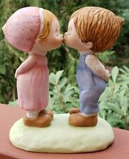 Vintage 1979 Betsey Clark Hallmark Figurine Little Gallery Kissing Boy Girl 1132