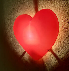 IKEA Smila Hjärta Plastic Red Heart Shape Wall Light Lamp 7W E14 2M cable EU