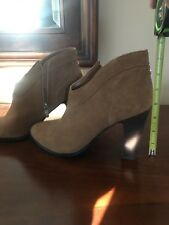 Croma women's ankle boots Beige Suede Size 10