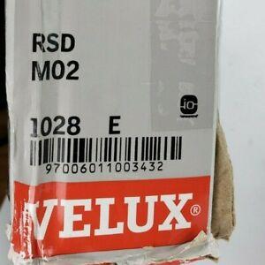 VELUX RSD M02 1028 E Solar Powered Skylight Roller Blind Shade KLI110 Remote