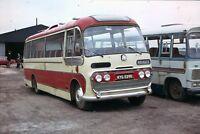 KYG 529D Bingley, Kinsley) /United Services 6x4 Quality Bus Photo