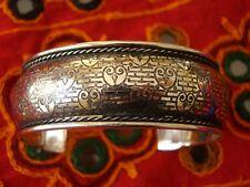 Bracelet en métal ciselé couleur argent Bollywood sari danse orientale Inde