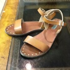 STEVE MADDEN Flat Brown Leather Sandals Buckle Size 9M w/Gold Tone Studs on Sole