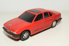 PLASTIC BMW E34 535i 535 i SALOON SEDAN RED EXCELLENT CONDITION