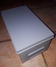 Casier  métallique industriel avec couvercle ( loft, casier, indus, métier )