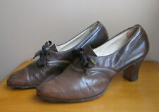 Vtg Brown Leather Oxford Ladies Shoes Heels The Foot Saver Sz 8 1/2 A J&K Co