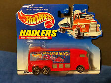 """HOT WHEELS TOW TRUCK HAULERS BIG 5"""" TRUCK Extreme Racing RED#65743-82"""