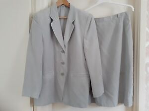 Silvery Grey Suede Effect Lined Suit Sz 16 Ladies Jacket & Skirt Ex Con Occasion