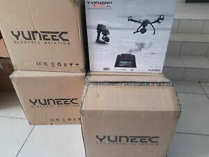 Yuneec Q500 4K Typhoon YUNQ4KUS Quadcopter with CGO3-GB Camera, SteadyGrip