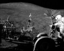 Apollo 15 Astronaut David Scott mit Lunar Rover 8x10 Silber Halogen Fotodruck