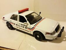 Motor Max Ford 2007 Crown Victoria Mount Holly Police Car 1:24 Scale Die Cast vt