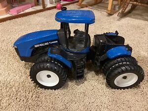 New Holland TJ425 Tractor Diecast 1:16 Used